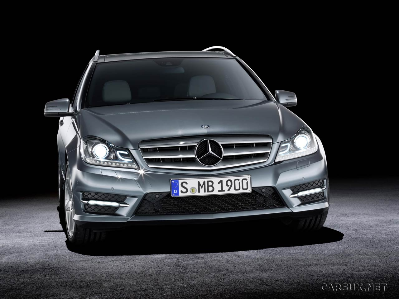 2011 mercedes c class facelift revealed video. Black Bedroom Furniture Sets. Home Design Ideas