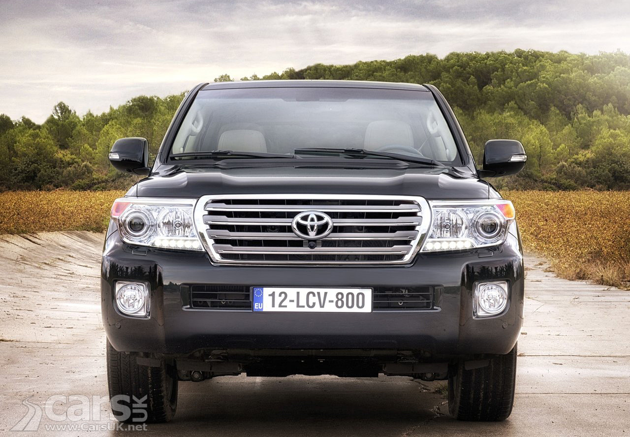2012 Toyota Land Cruiser V8 9
