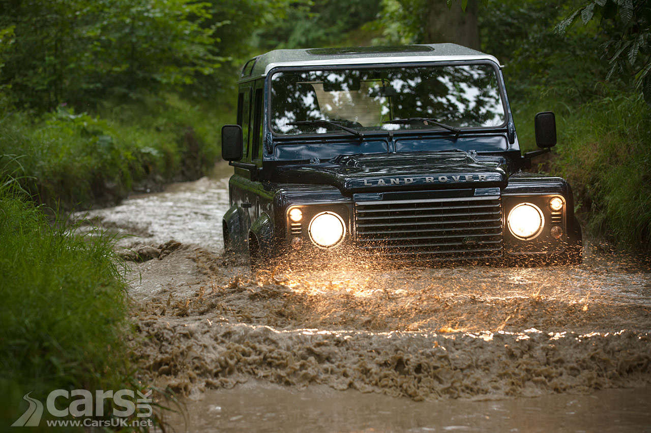 2013 Land Rover Defender Photo Gallery | Cars UK
