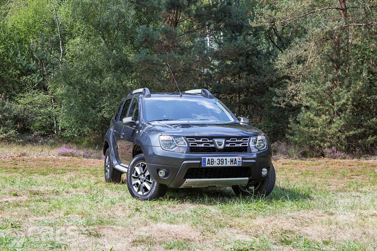 2014 dacia duster facelift pictures cars uk. Black Bedroom Furniture Sets. Home Design Ideas