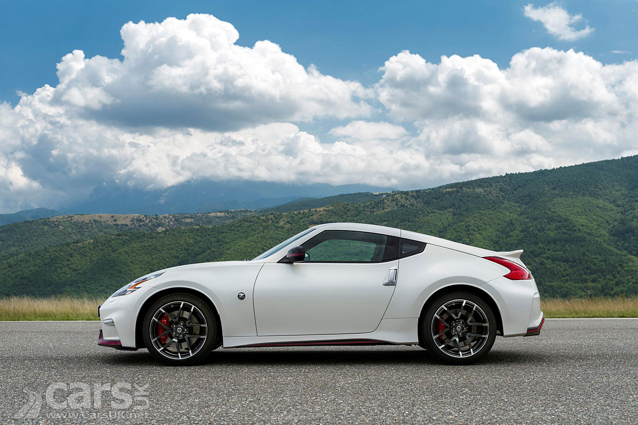 2015 nissan 370z facelift pictures cars uk. Black Bedroom Furniture Sets. Home Design Ideas