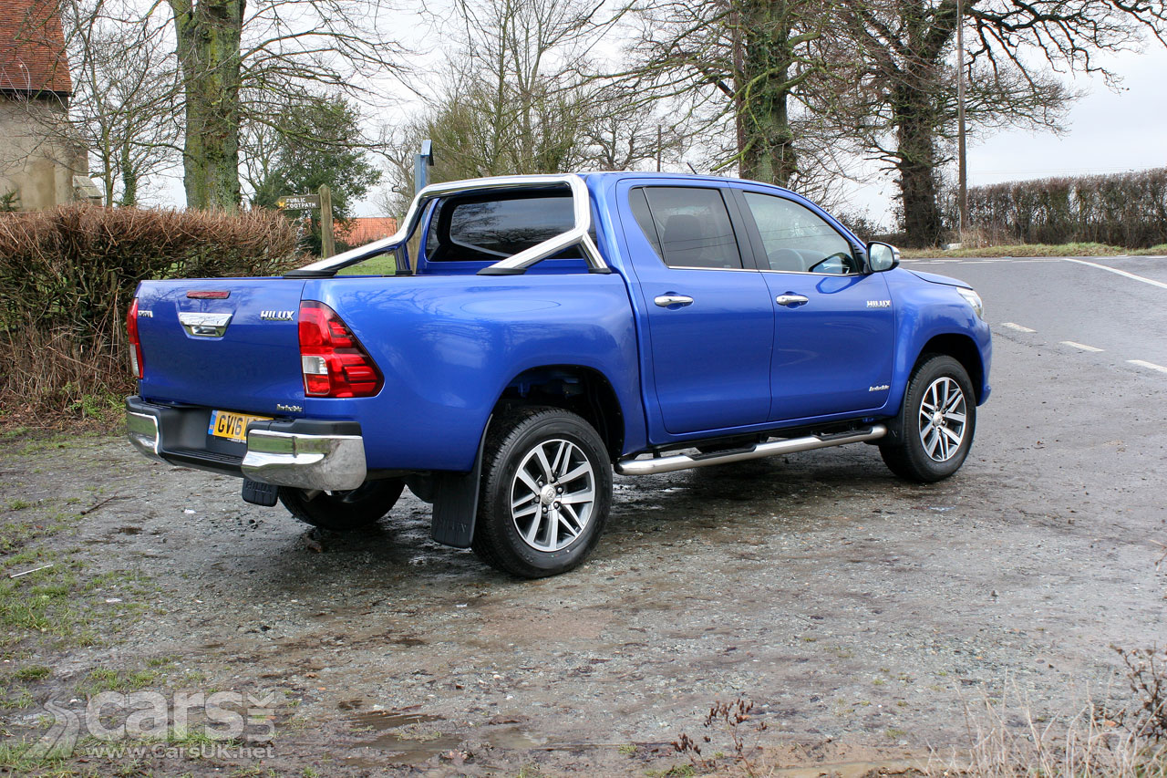 2017 toyota hilux invincible review photos cars uk. Black Bedroom Furniture Sets. Home Design Ideas