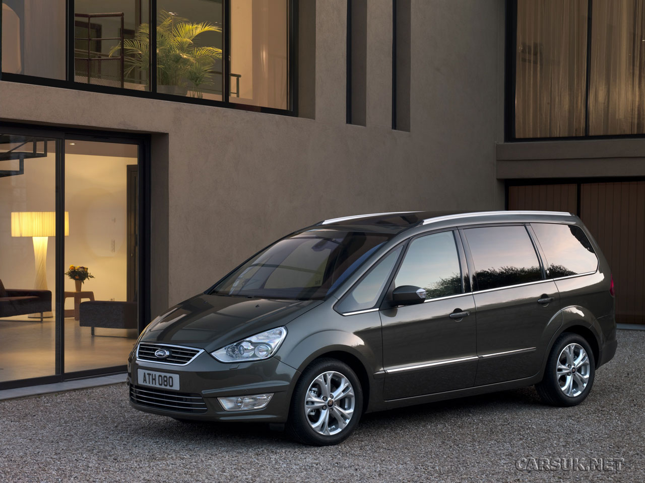 Ford S-Max 2010 and Ford Galaxy 2010 revealed