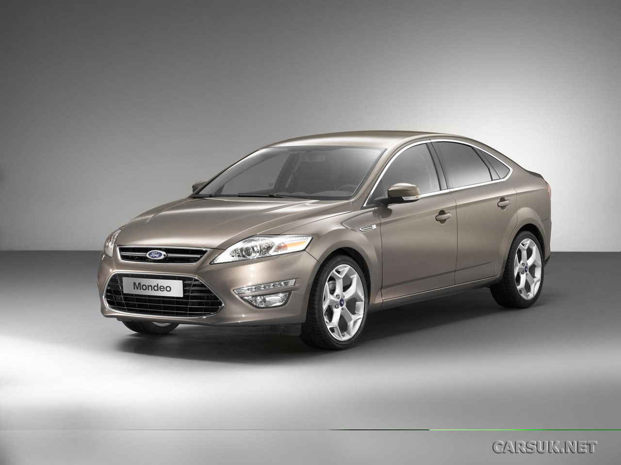 2011 ford mondeo debuts video. Black Bedroom Furniture Sets. Home Design Ideas
