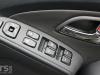 Hyundai ix35 2.0 CRDi 4WD Review door switches photo