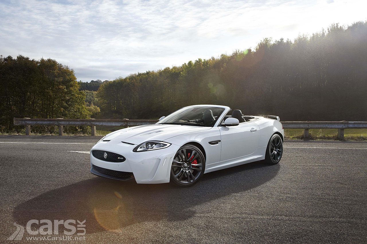 Jaguar XKR-S Convertible 9