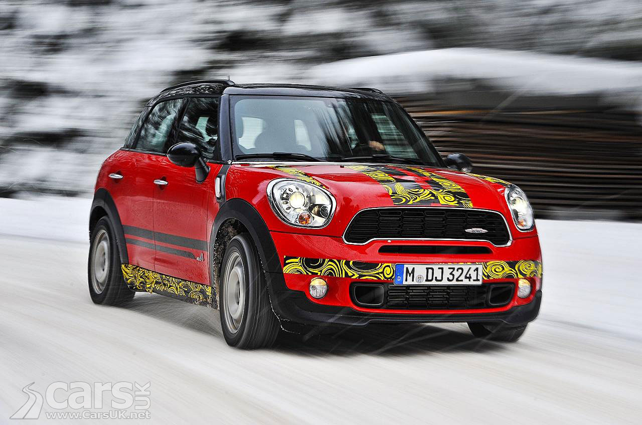 MINI Countryman JCW Tease 1