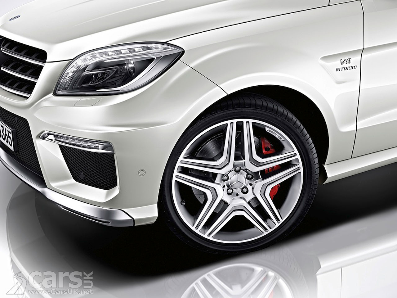 New Mercedes ML63 AMG (2012) 13