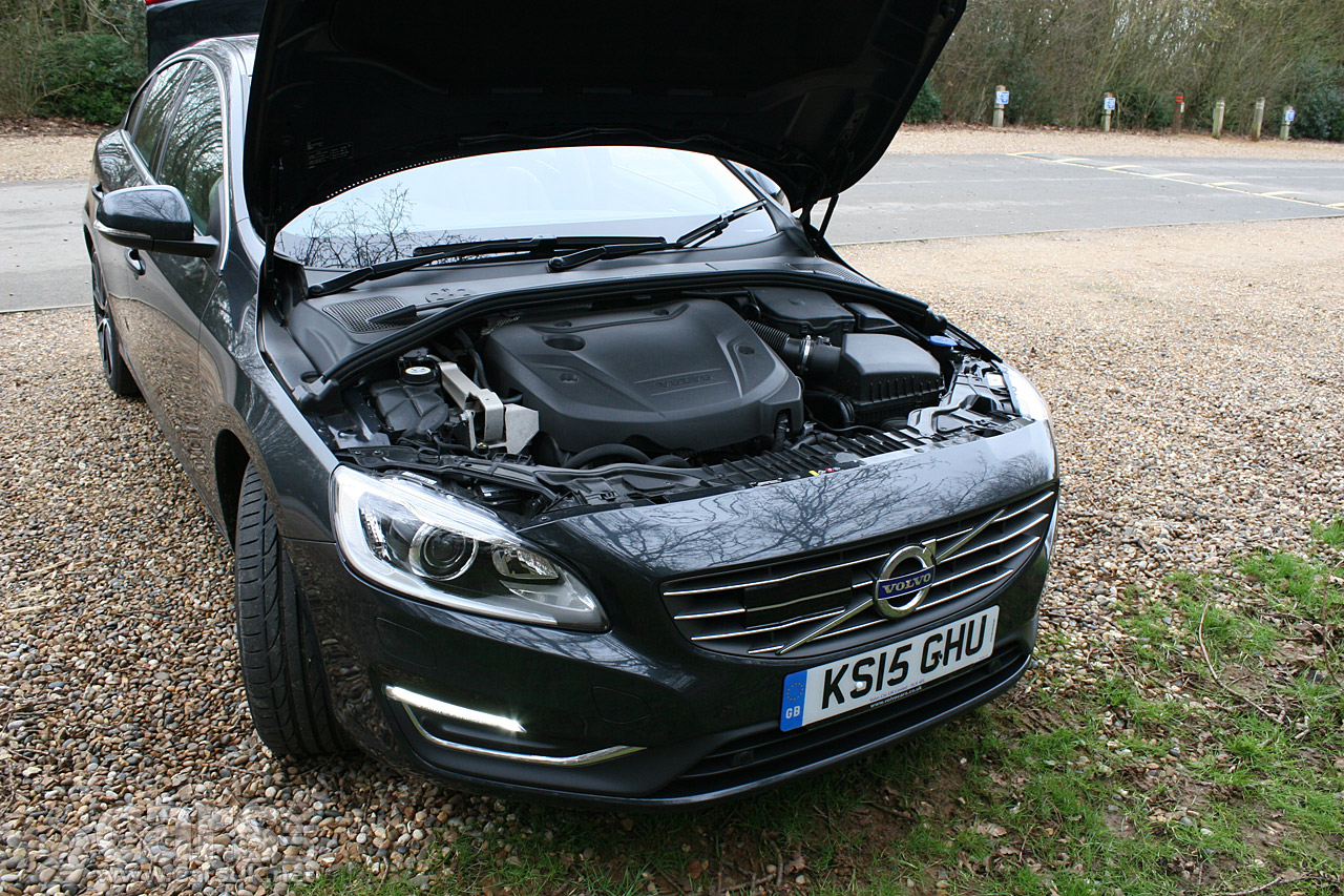 2016 volvo s60 d3 se lux nav geartronic review photos cars uk. Black Bedroom Furniture Sets. Home Design Ideas