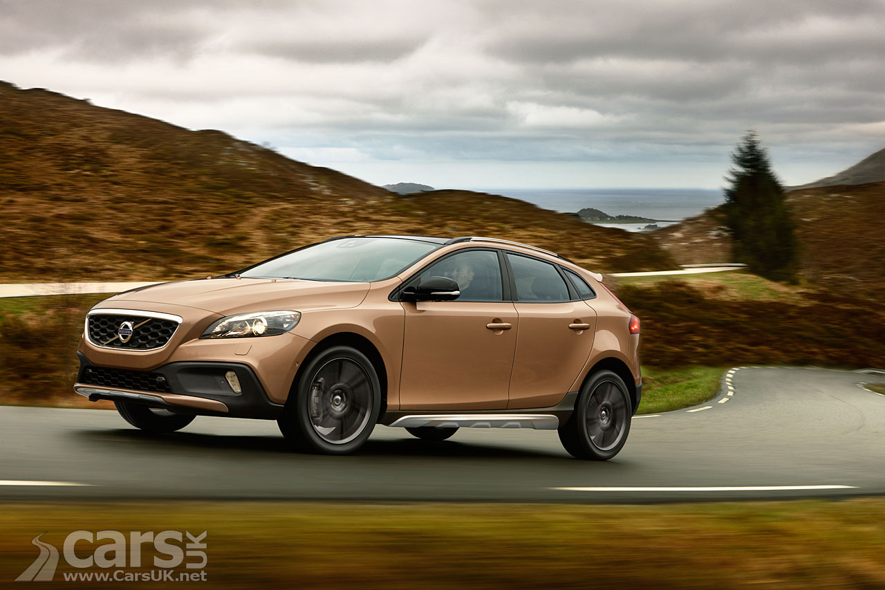 Volvo V40 Cross Country Photos