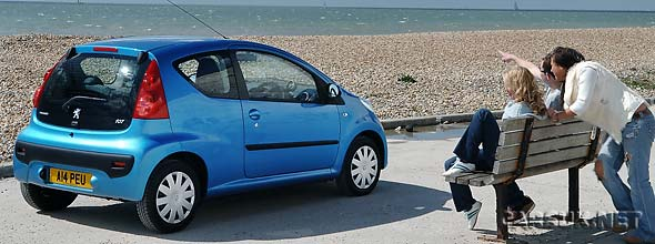 citroen c1 and peugeot 107 hit by toyota recall. Black Bedroom Furniture Sets. Home Design Ideas