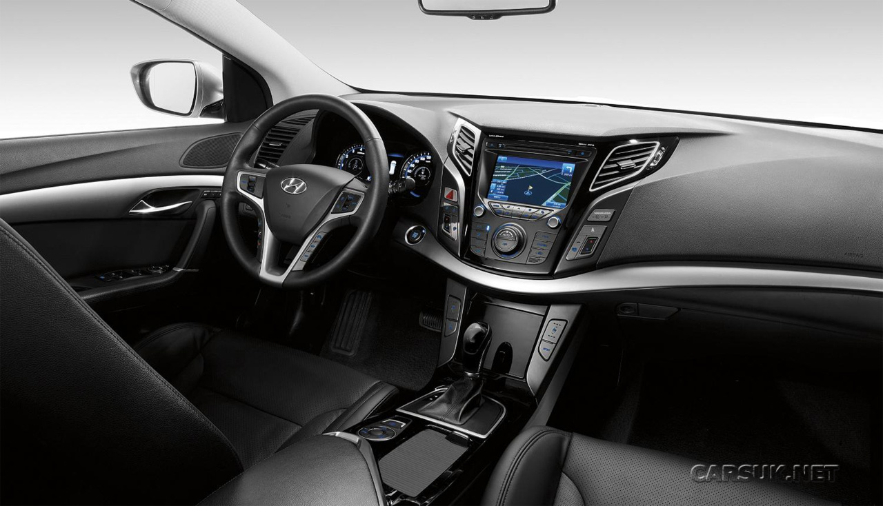 hyundai i40 on sale uk in june first i40 interior photo. Black Bedroom Furniture Sets. Home Design Ideas