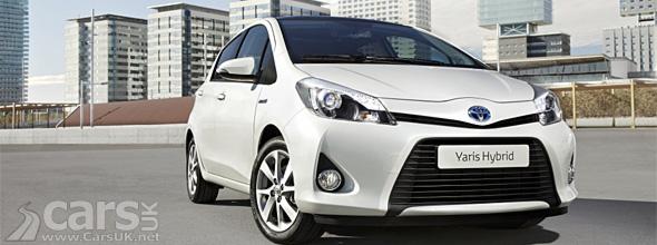 White Toyota Yaris Hybrid