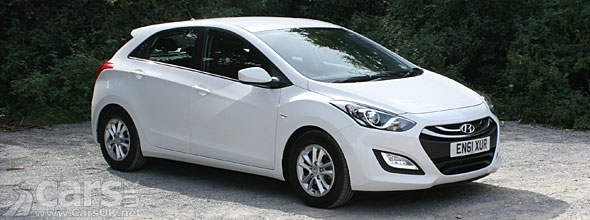Photo of white 2012 Hyundai i30