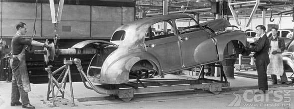 Car Production Oxford 1950s photo