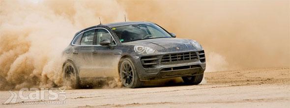 Photo Porsche Macan on desert sand