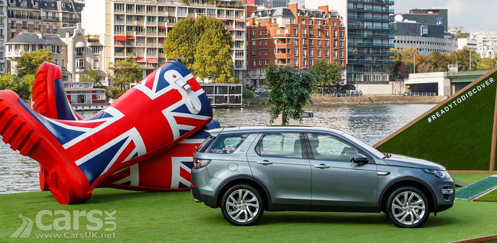 Photo Land Rover Discovery Sport, GIANT wellies & the River Seine