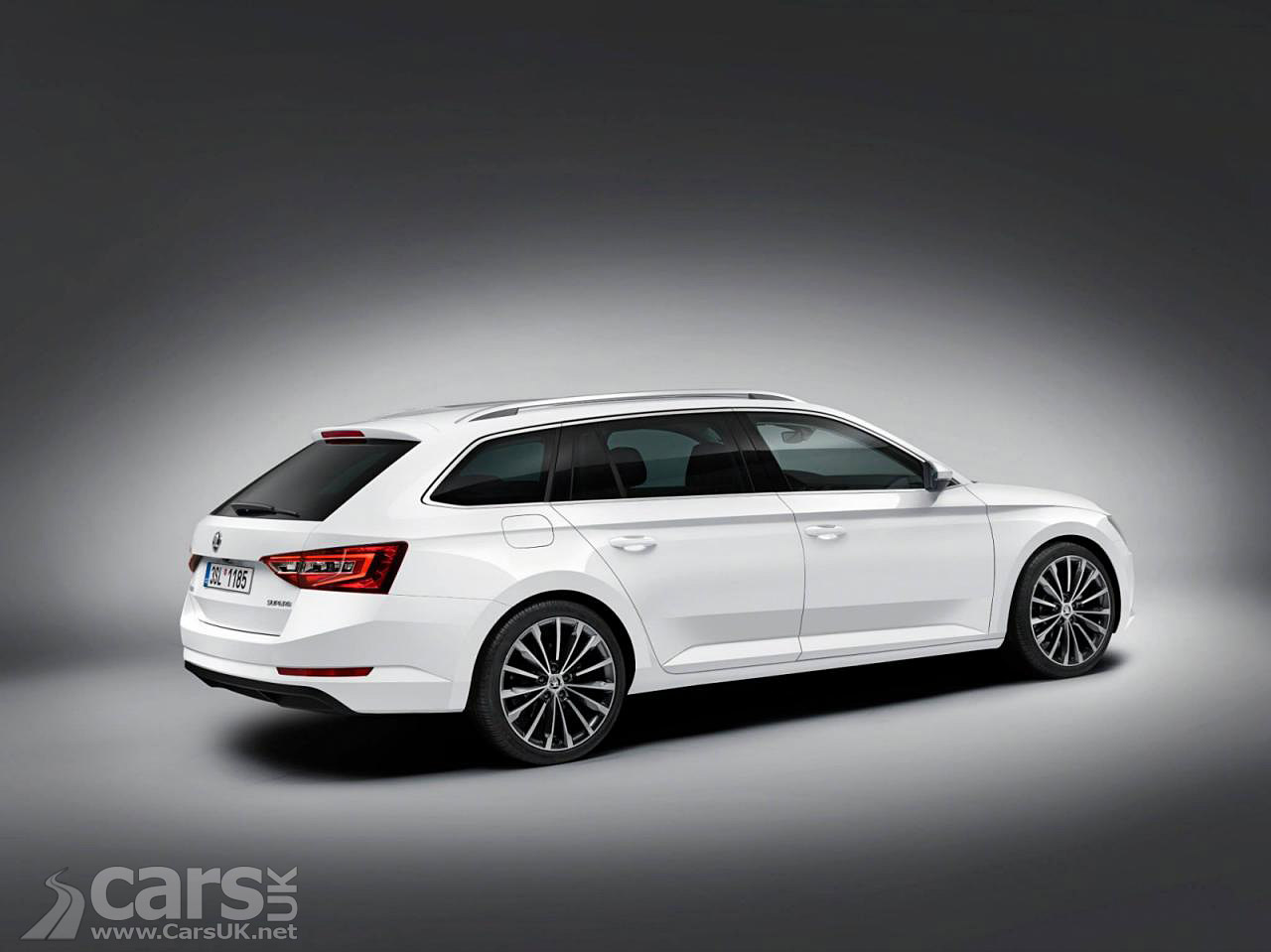 2015 skoda superb estate uk price specs costs from 19 480 cars uk. Black Bedroom Furniture Sets. Home Design Ideas