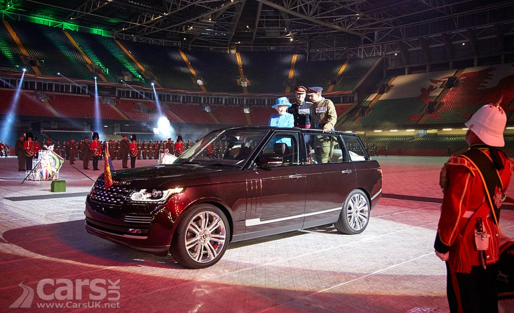 View Queen State Review Range Rover Hybrid