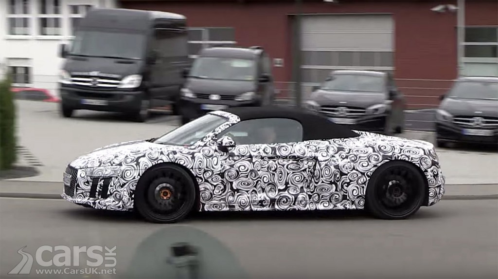Photo 2016 Audi R8 Spyder caught on video at Nurburgring
