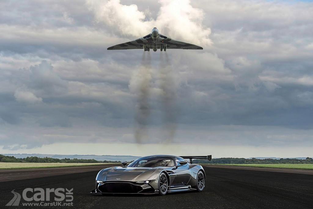 Photo Aston Martin Vulcan meet the Vulcan Bomber