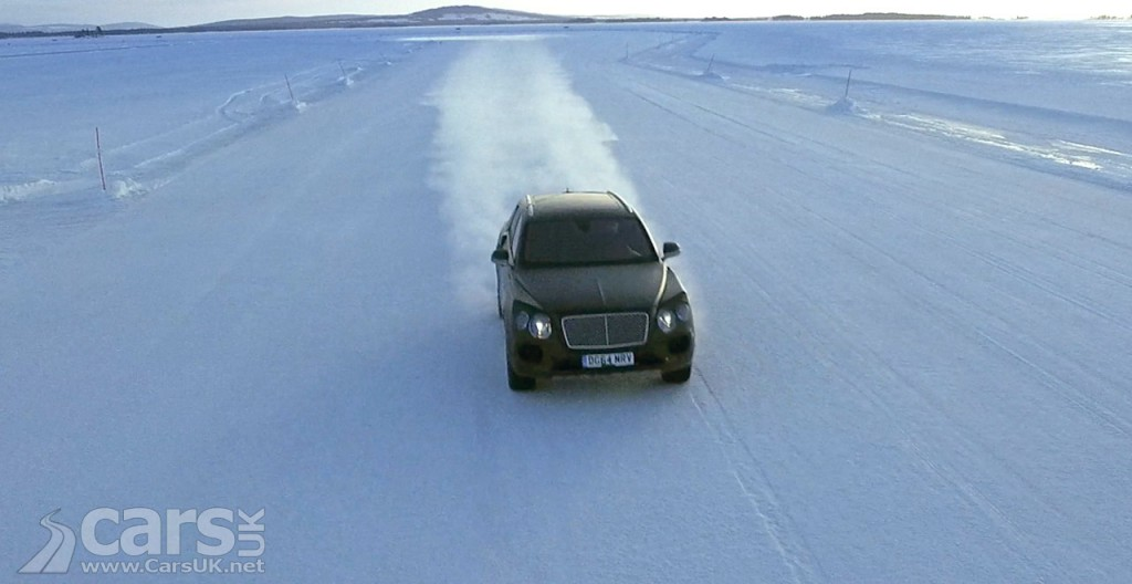 Photo Bentley Bentayga on Ice