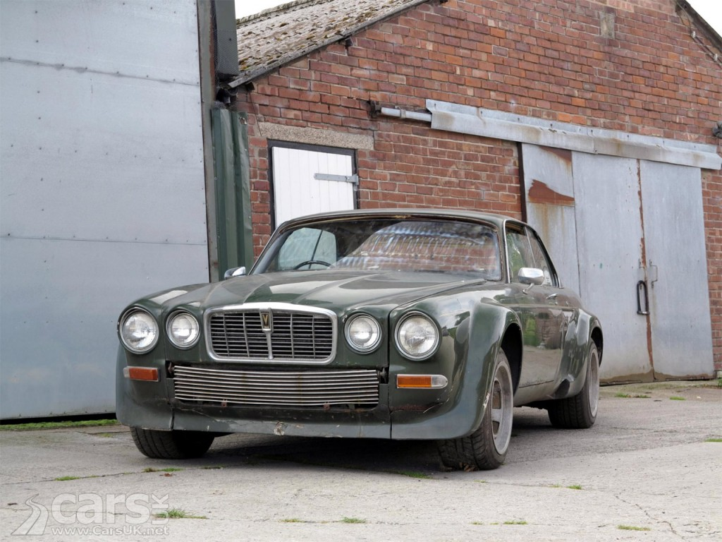 Photo Avengers Jaguar XJ12-C fetches £62,000 at auction