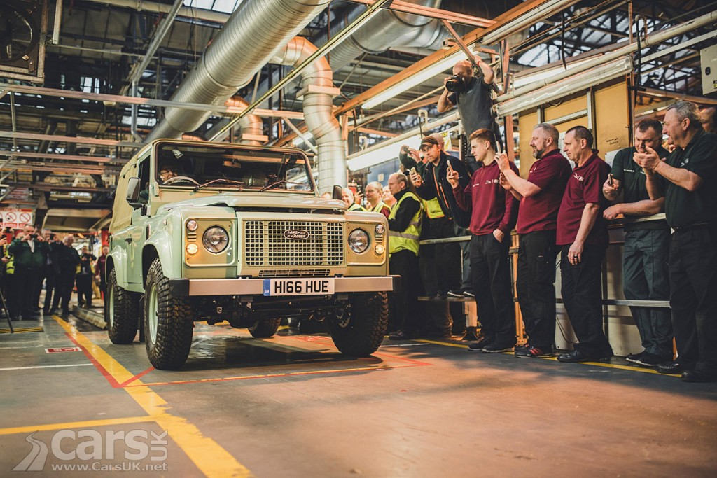 Photo Last Land Rover Defender rolls off the production line