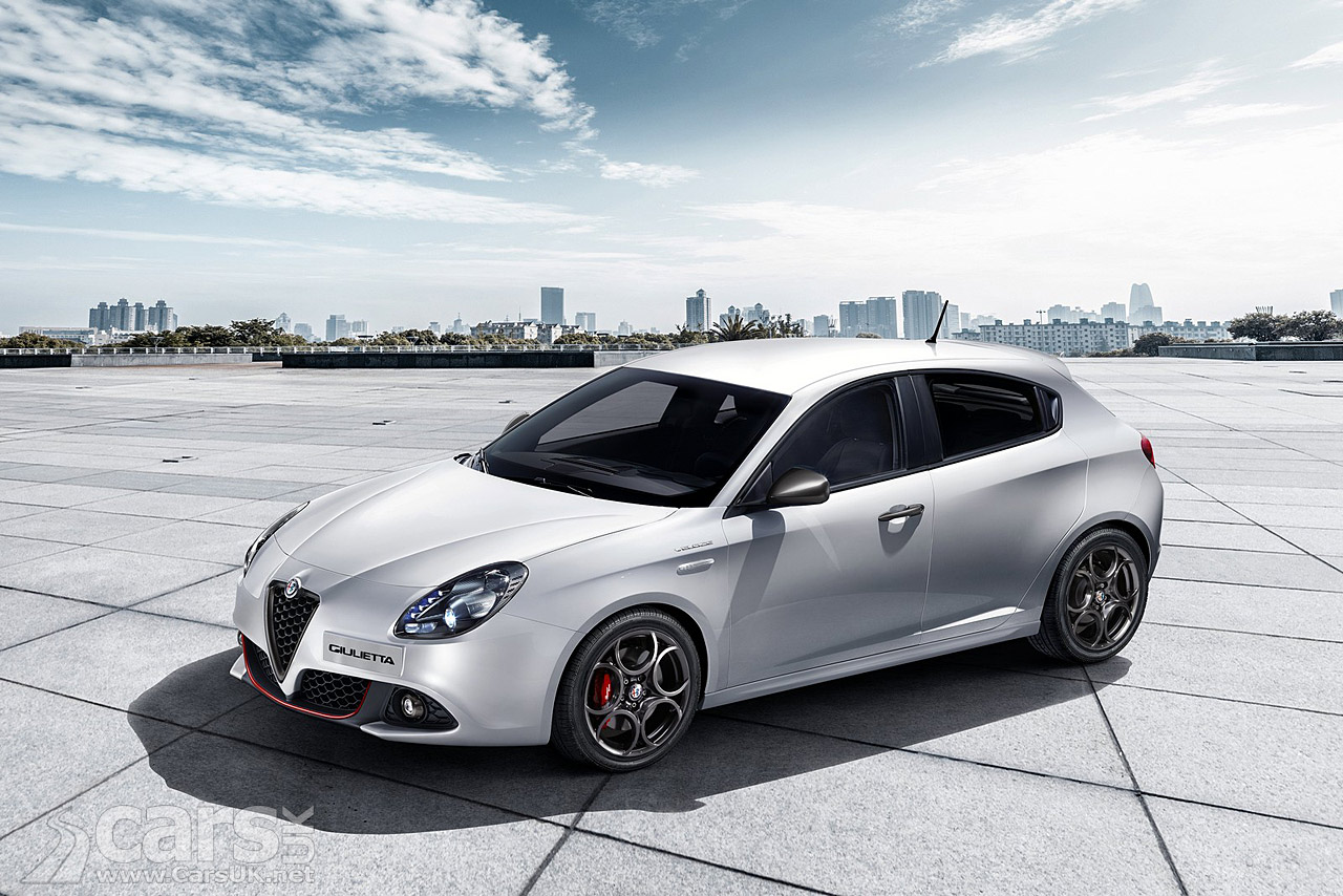 2016 alfa romeo giulietta facelift revealed with a hint of the new alfa giulia cars uk. Black Bedroom Furniture Sets. Home Design Ideas