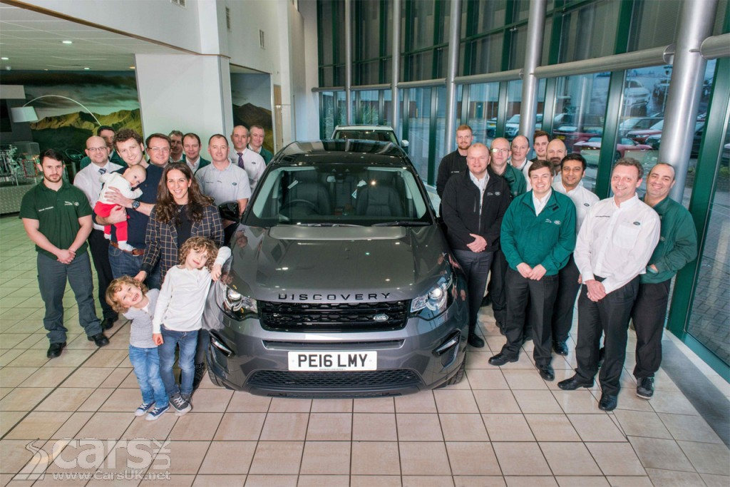 Photo Land Rover Discovery Sport 100,000