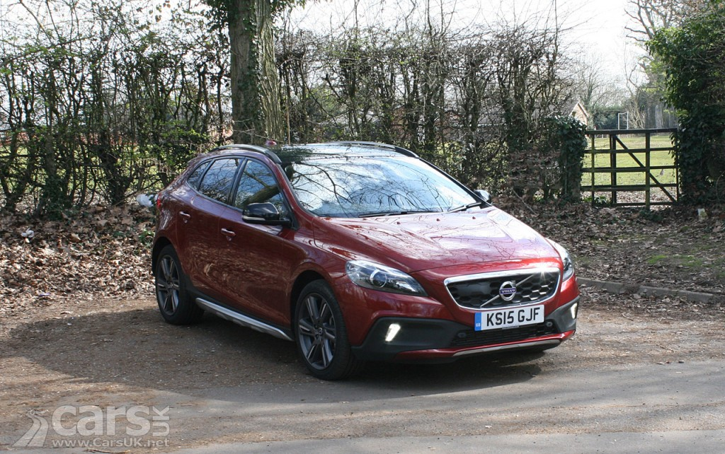 volvo v40 cross country d3 lux nav review 2016 cars uk. Black Bedroom Furniture Sets. Home Design Ideas