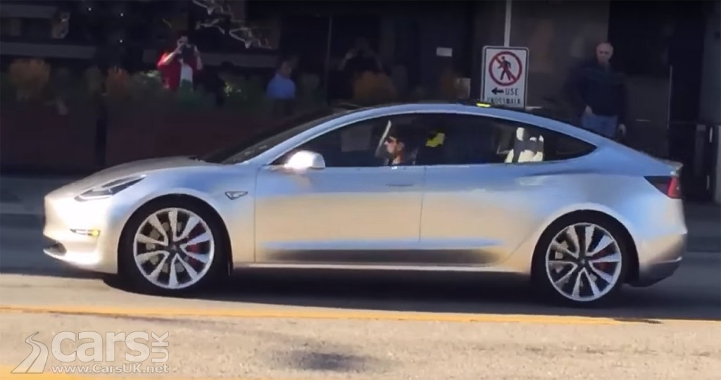 Photo Tesla Model 3 on public roads