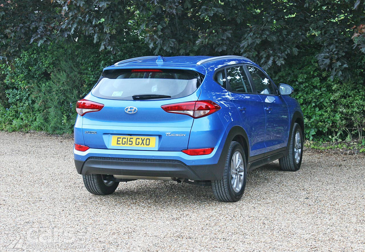 Hyundai Tucson SE Nav 1 7 CRDi Review (2016) | Cars UK