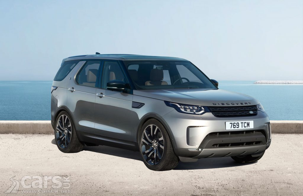 Photo 2017 Land Rover Discovery with Black Pack