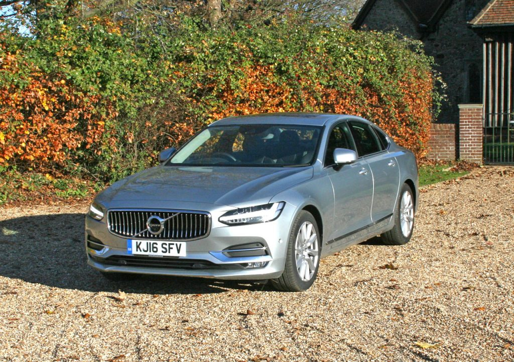 Photo Volvo S90 D4 Inscription Review