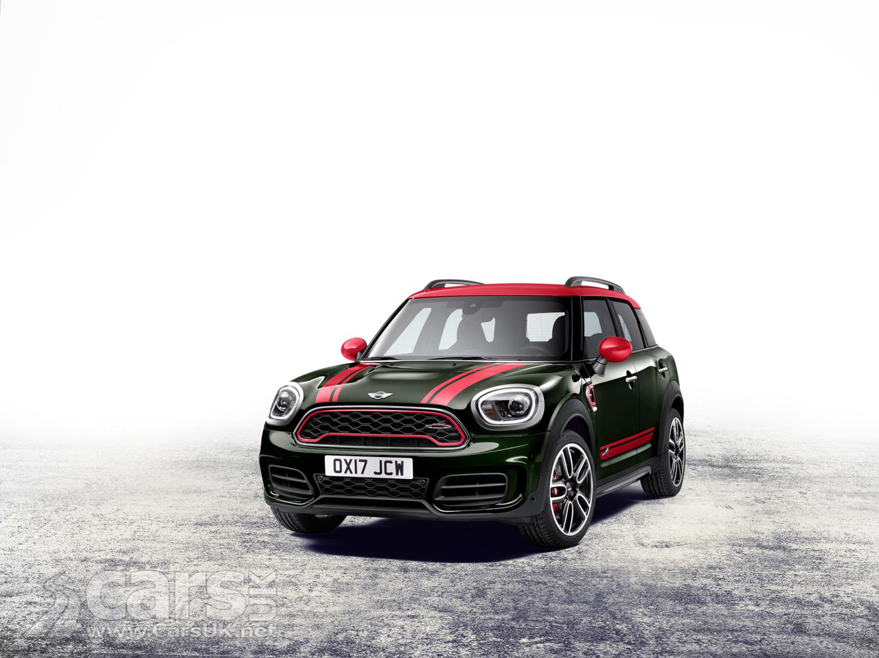 2017 mini countryman jcw arrives with 228bhp enough for a brisk sprint cars uk. Black Bedroom Furniture Sets. Home Design Ideas