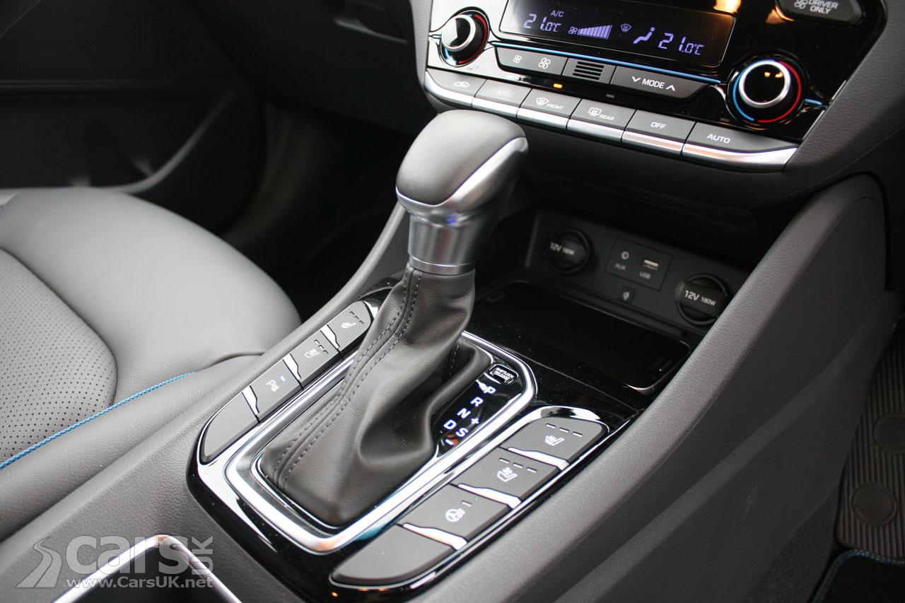 Photo Hyundai Ioniq Hybrid interior detail