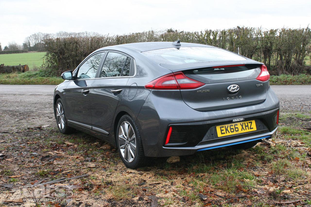 Photo Hyundai Ioniq Hybrid rear view