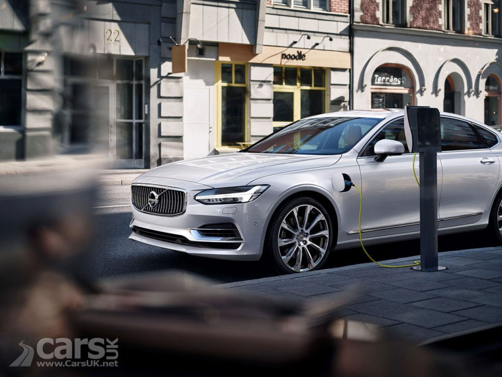 Photo Volvo S90 T8 CHarging