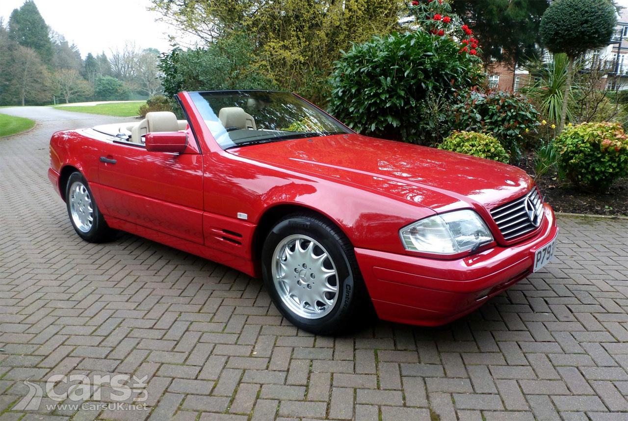 39 brand new 39 1996 mercedes sl 500 heading for coys spring classics cars uk. Black Bedroom Furniture Sets. Home Design Ideas