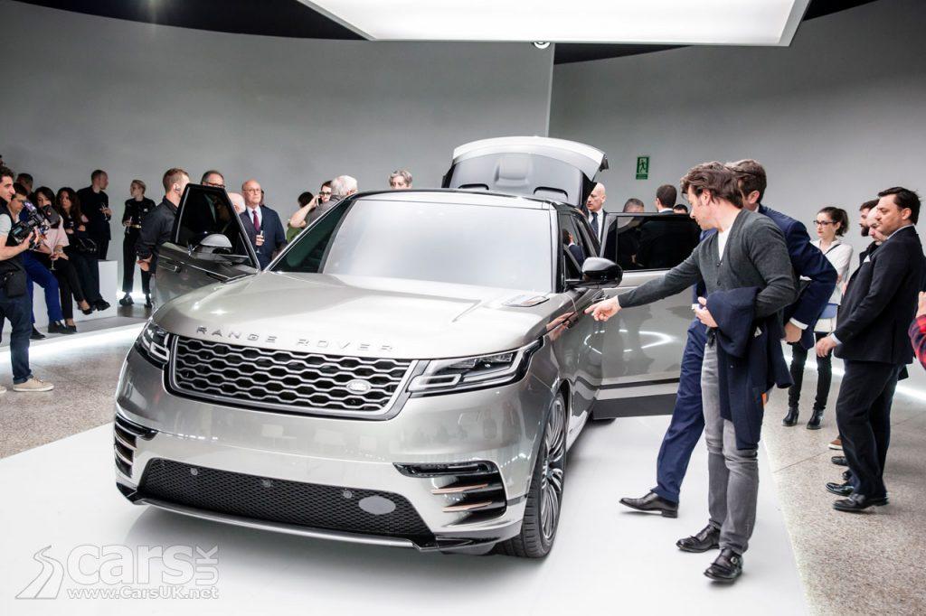 Photo Range Rover Velar struts its stuff at Milan Design Week