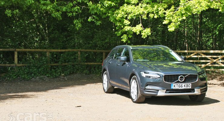 Photo Volvo V90 D4 AWD Cross Country Review (2017)
