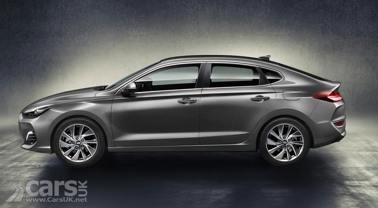 Hyundai i30 Fastback Side View