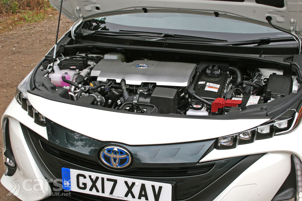 Toyota Prius Plug-in Business Edition Plus Review (2017) | Cars UK