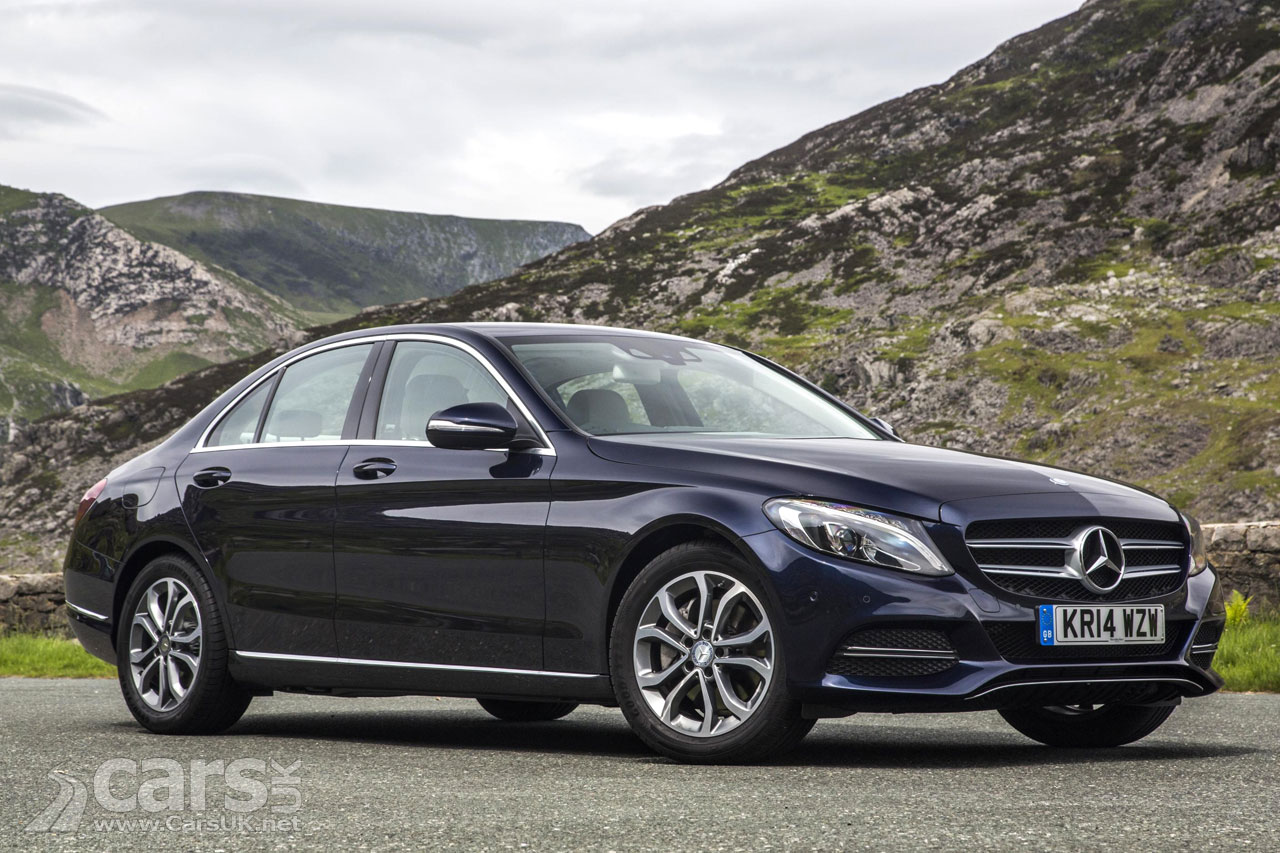 Mercedes recall 400 000 cars in the uk over airbag for Mercedes benz recall