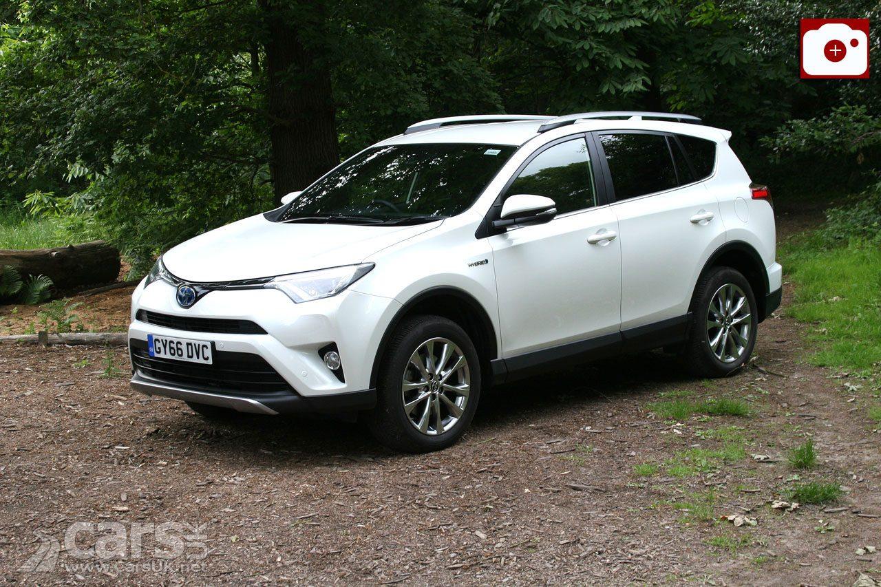Toyota RAV4 Hybrid Excel Review (2017)