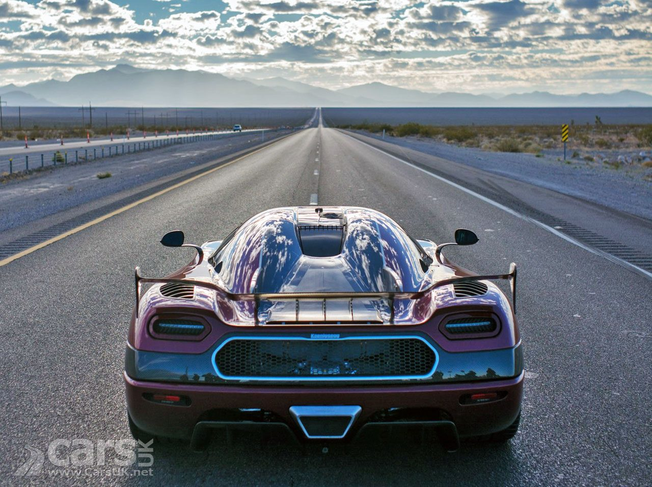 Koenigsegg Agera RS SMASHES World Speed Record