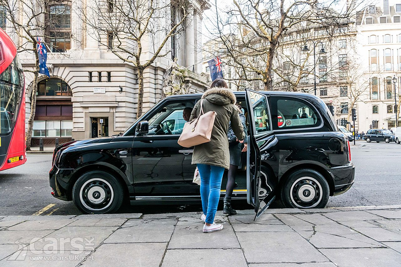First ELECTRIC London Black Cab delivered - and picking up fares on The Strand