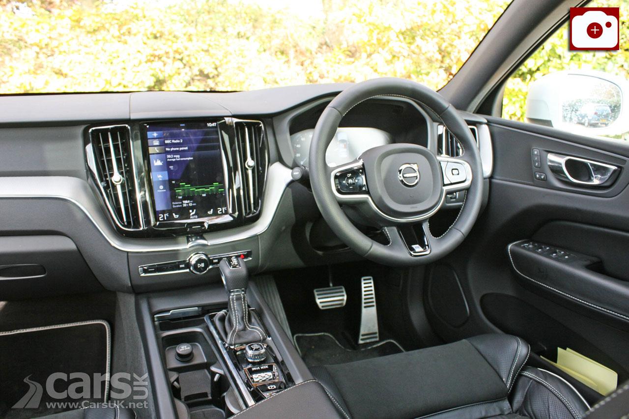 2018 Volvo XC60 D4 R-Design Interior