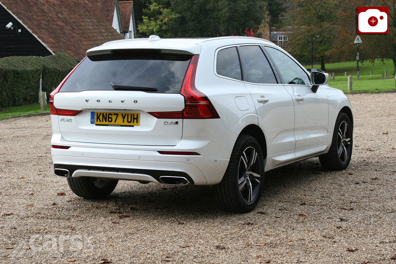 2018 Volvo XC60 D4 R-Design on the Road